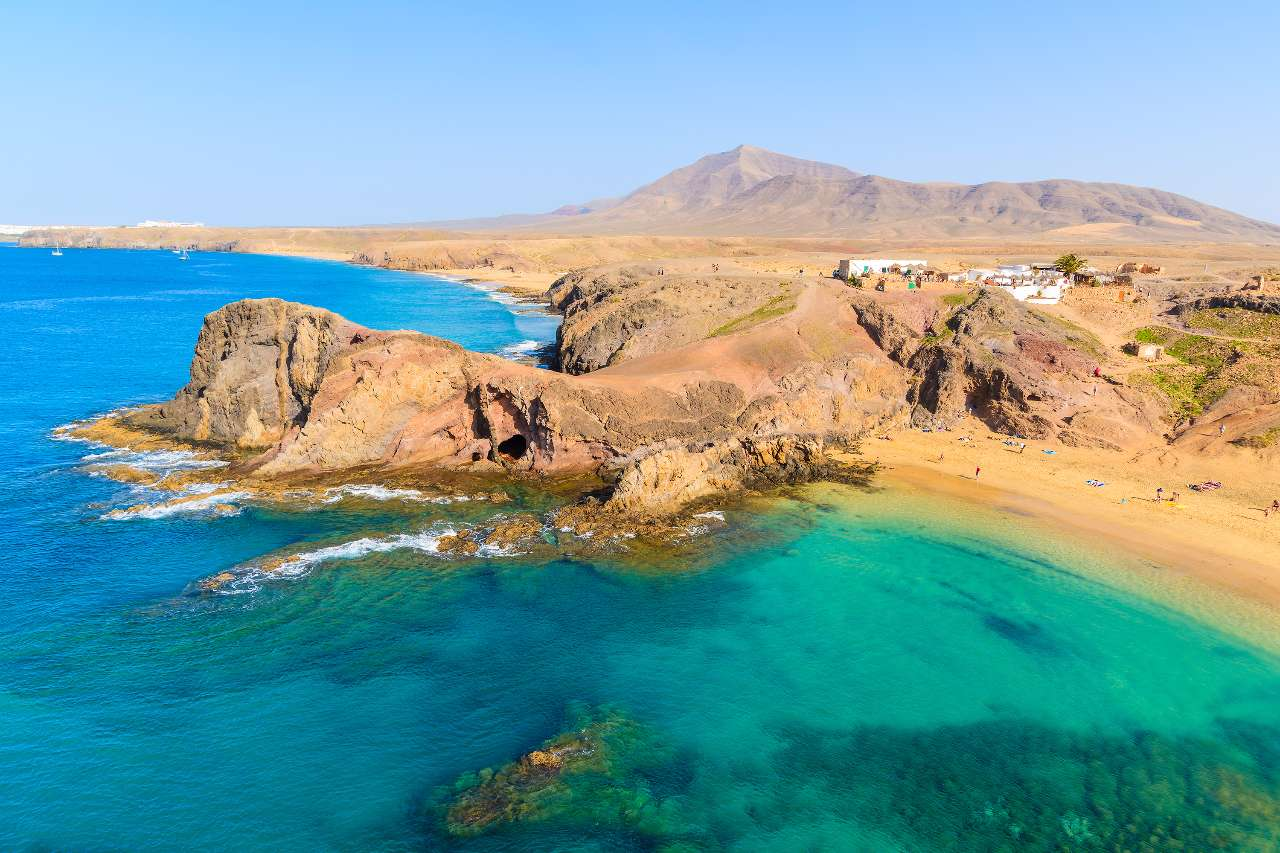 Where is hot in october a holiday sunshine guide by hype - Alquiler coche lanzarote puerto del carmen ...