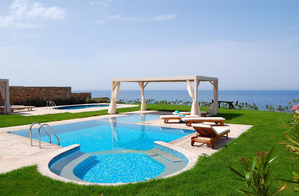 Villa, warm weather 58452505