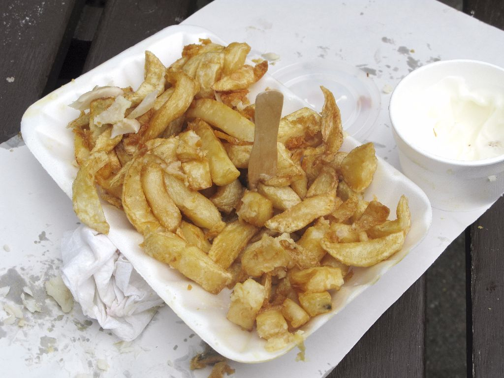 Chips and Garlic Sauce