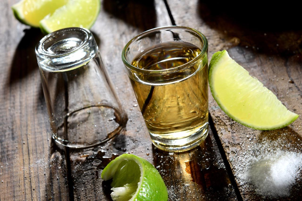 rsz_tequila_shots_mexico_177238466