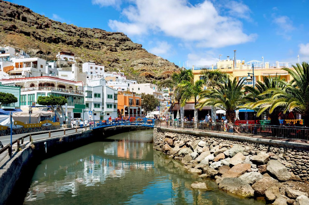 A complete guide to the canary island s weather - Puerto mogan gran canaria ...