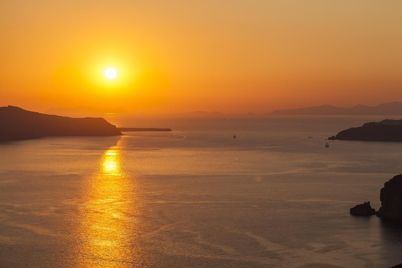 Santorini sunset_138736982
