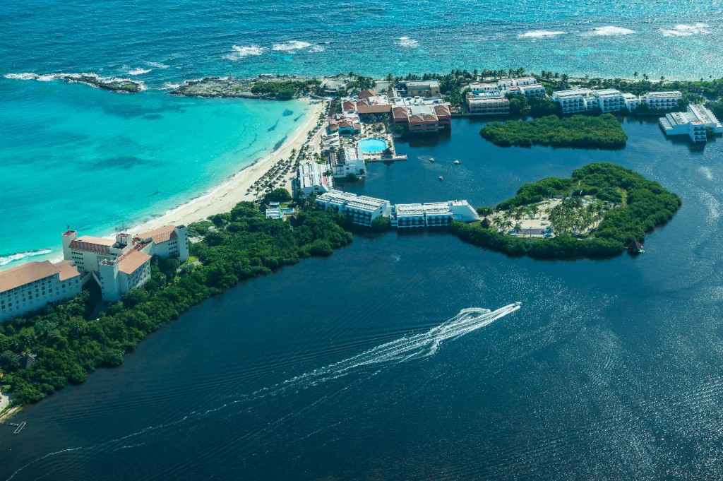 Which Caribbean Island Has The Best Weather In August
