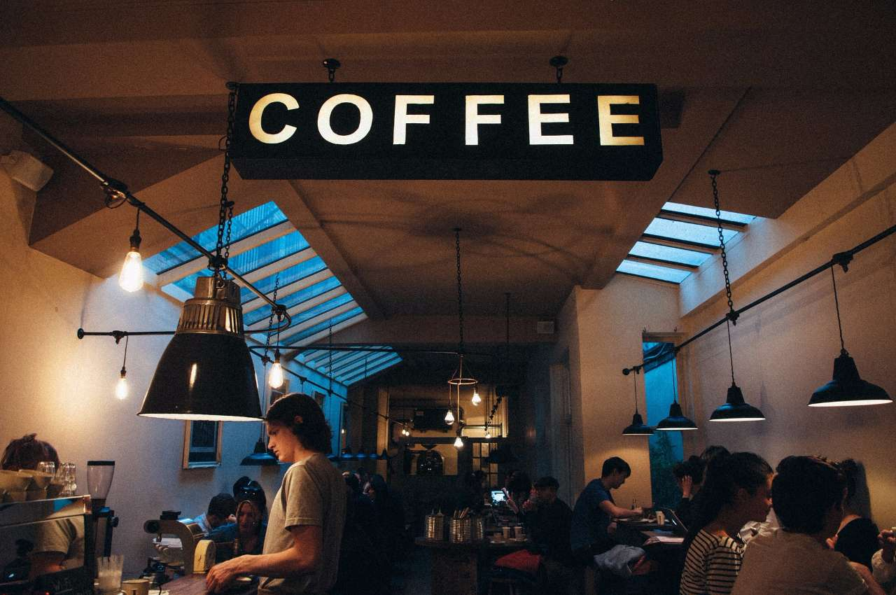 coffee-shop-1149155_1920