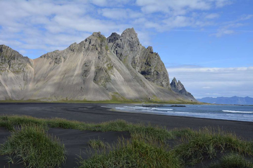 vestrahorn-mountain-1598914_1920-1