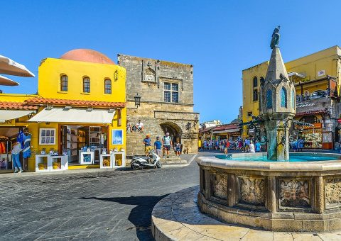 rhodes_town_square