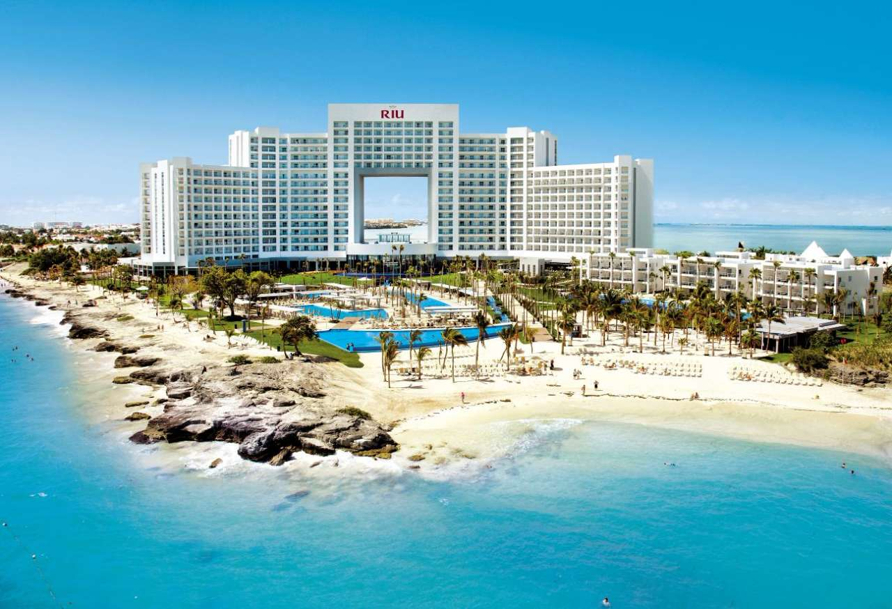 A traveller 39 s guide to the top five luxury hotels in cancun for Luxury hotel guide