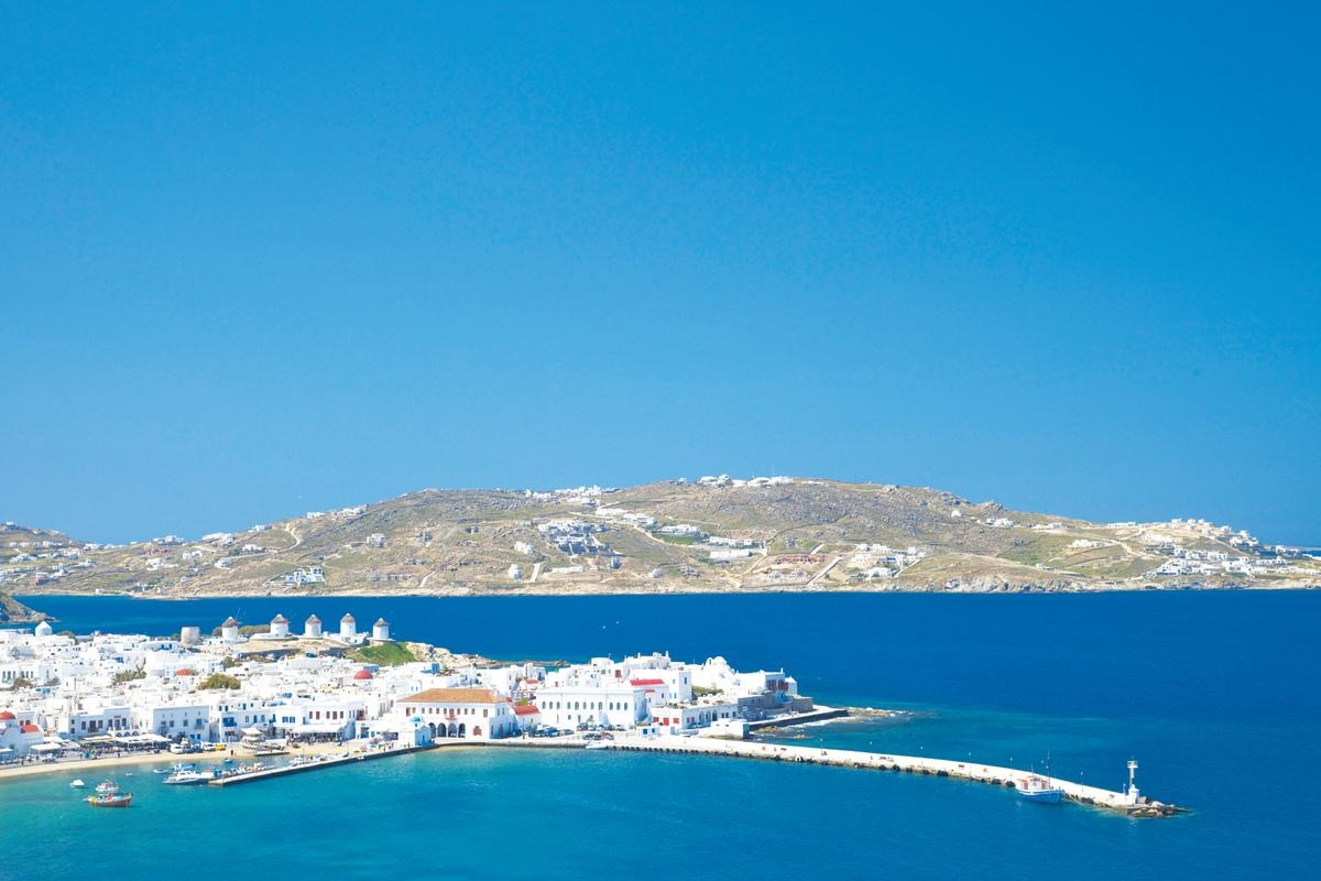 5 Reasons Why Mykonos Should Be on Your Bucket-List